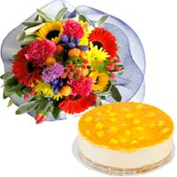Finest Bake Cheese Cake (Mango) with Flowers Bouque