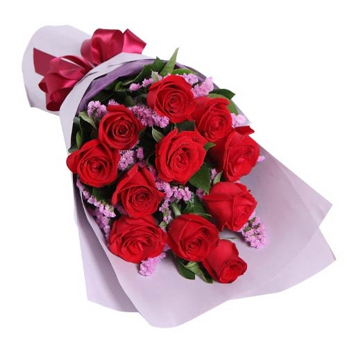 Fresh Roses Bouquet delivered at Low Cost To Japan