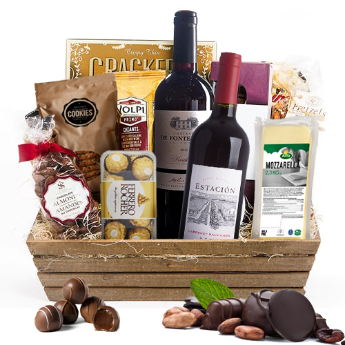 Ravishing Gourmet Hamper with Wine
