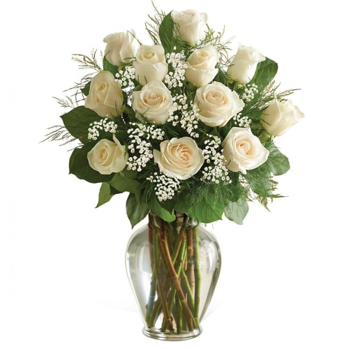 Fresh White Roses Bouquet delivered at Low Cost